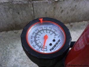 空気入れの空気圧メーター