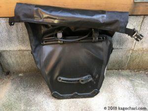 オルトリーブ シティのバッグ裏側-01