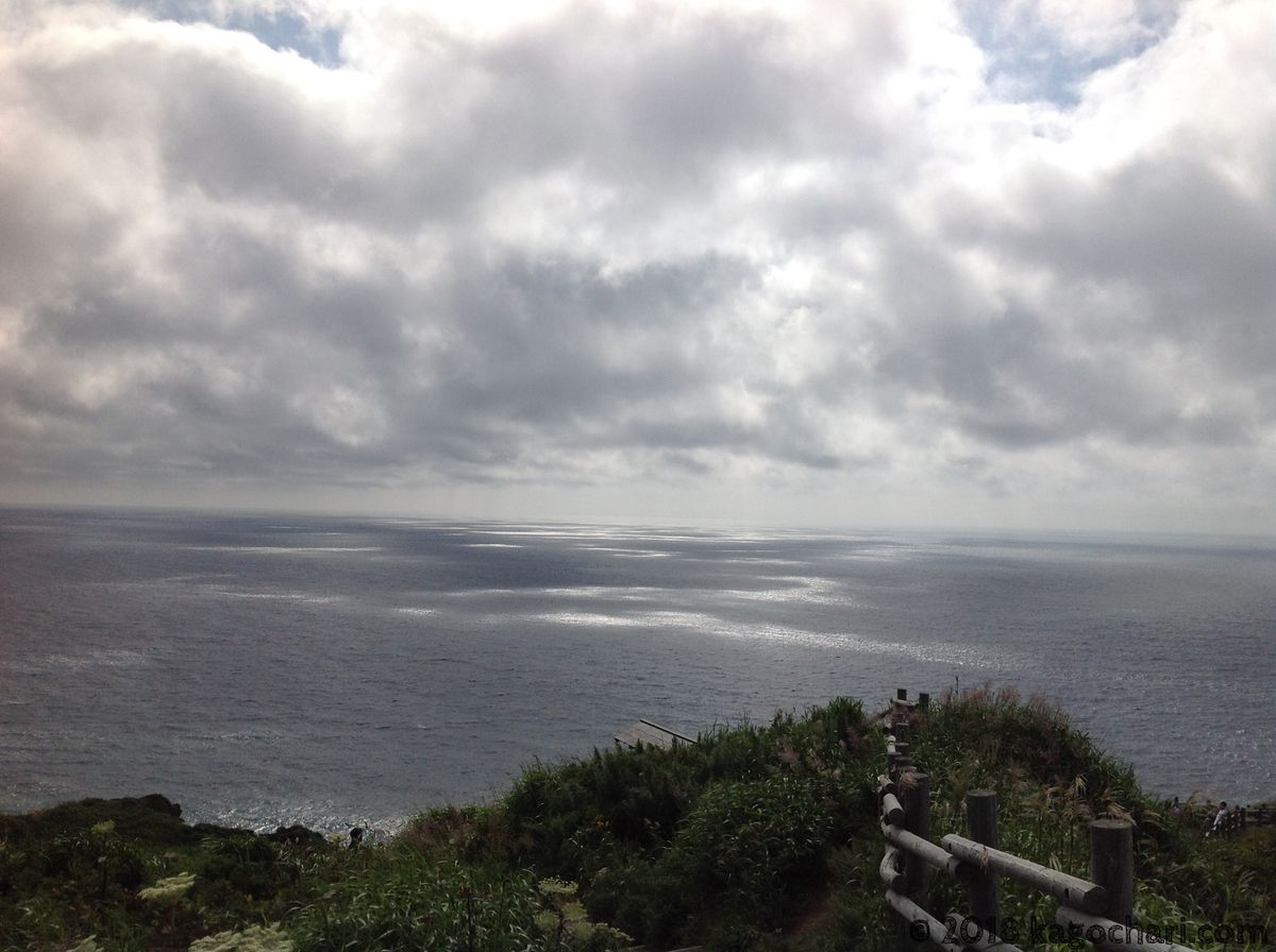 神威岬の南側の海