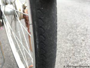 後輪タイヤは磨耗が激しくチューブもパンク状態