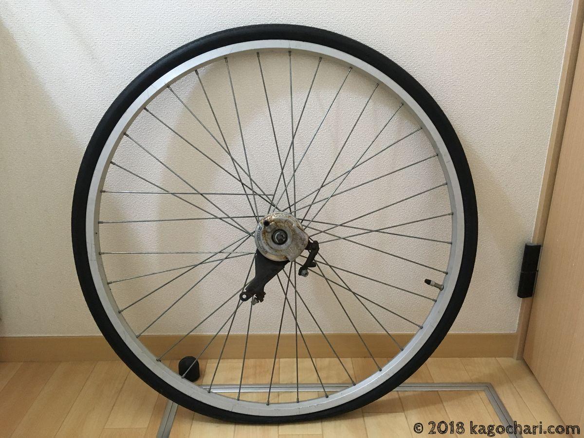 後輪修理のため自転車本体から取り外す