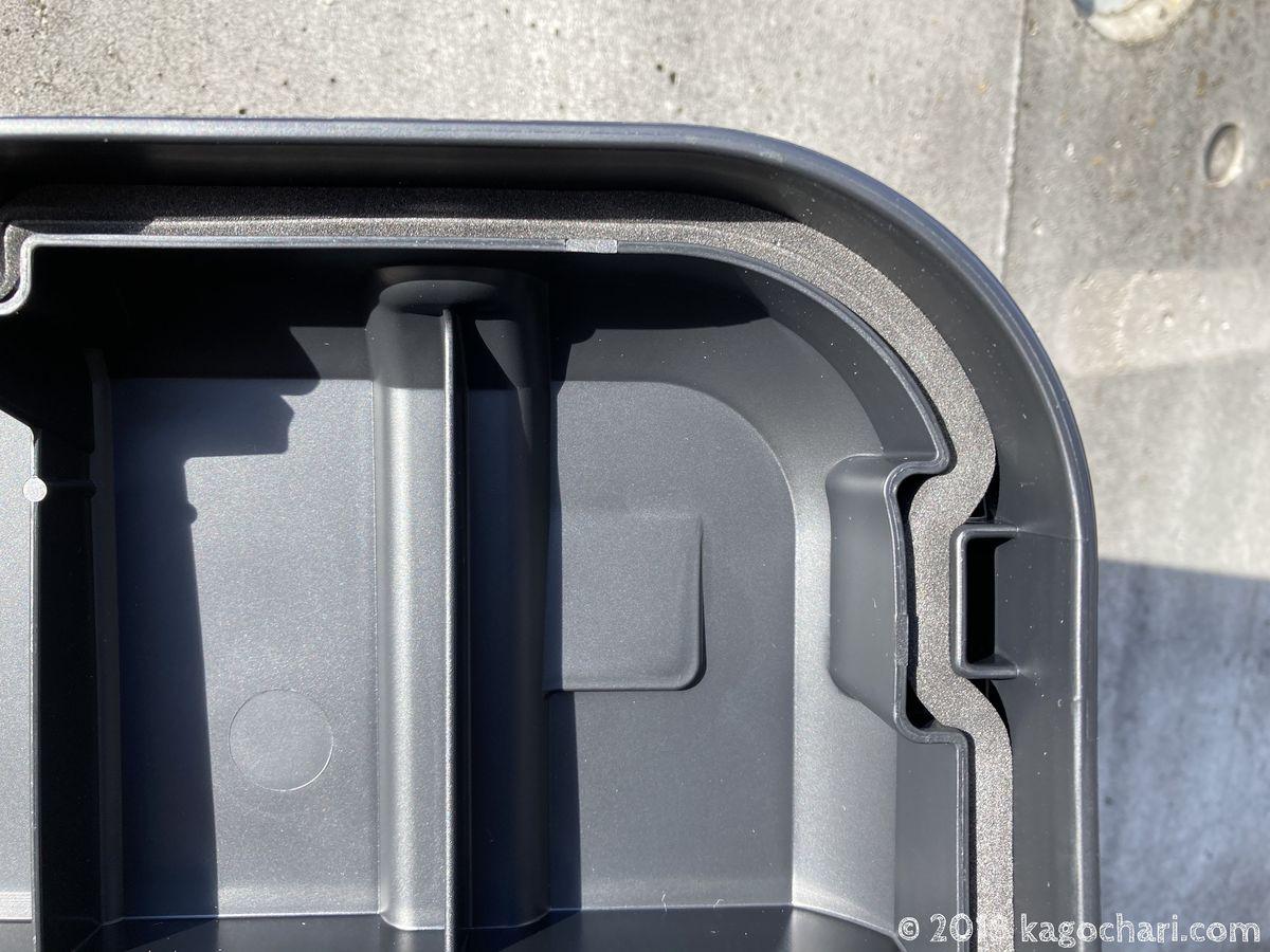 ホムセン箱-MHB-460-ふたにパッキンが装備されている
