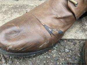 合皮素材の靴は劣化する